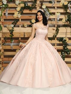 Custom quinceanera dresses in bright colors! These quince dresses can be made in any color. Lots of vestidos de quinceanera to choose from. Sweet 16 Dresses, 15 Dresses, Fashion Dresses, Formal Dresses, Wedding Dresses, Pretty Quinceanera Dresses, Quinceanera Party, Quinceanera Decorations, Quince Dresses