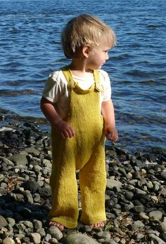 Toddler Overalls, one-piece knit and OH so cute!! I am going to scroll my pinterest in 15 years time and find this waiting for me hahaha.