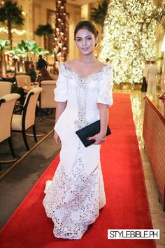 Pin by Queen Haya on Filipiniana Modern Filipiniana Gown, Filipiniana Wedding Theme, Wedding Gowns, Philippines Dress, Philippines Culture, Entourage Gowns, Evening Dresses, Prom Dresses, Traditional Dresses
