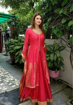 Looking for information on the anime Joshiraku? Find out more with MyAnimeList, the world Anarkali Dress, Pakistani Dresses, Indian Dresses, Indian Outfits, Saree Gown, Lehenga Designs, Kurti Designs Party Wear, Dress Designs, Indian Ethnic Wear