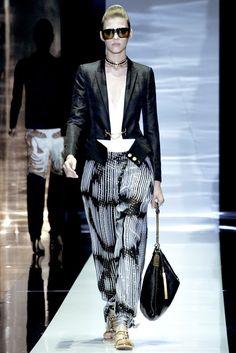 Gucci Spring 2012 Ready-to-Wear Fashion Show - Yulia Kharlapanova