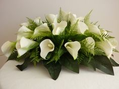 lily arrangements for weddings | Calla Lily Bridal table arrangement