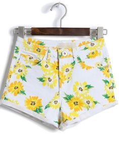 White High Waist Daisy Print Shorts zł80.91