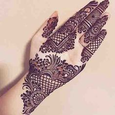 Mehndi is something that every girl want. Arabic mehndi design is another beautiful mehndi design. We will show Arabic Mehndi Designs. Henna Hand Designs, Dulhan Mehndi Designs, Mehndi Designs Finger, Latest Arabic Mehndi Designs, Modern Mehndi Designs, Wedding Mehndi Designs, Mehndi Design Pictures, Beautiful Henna Designs, Latest Mehndi Designs