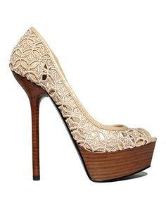 Gorgeous lace peep toe pumps by NiqueGata Dream Shoes, Crazy Shoes, Me Too Shoes, Jimmy Choo, Pretty Shoes, Beautiful Shoes, Pump Shoes, Shoe Boots, Toe Shoes