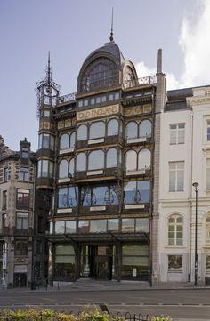 VOORMALIG WARENHUIS OLD ENGLAND – MIM (KONINKLIJKE MUSEA VOOR KUNST EN GESCHIEDENIS), Hofberg 2 – Brussel ANCIEN MAGASIN OLD ENGLAND – MIM (MUSÉES ROYAUX D'ART ET D'HISTOIRE), rue Montagne de la Cour 2 – Bruxelles