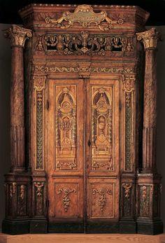 Torah Ark Curtain and Valance - Jacob Koppel Gans (G[old]s[ticker]?) - Google Cultural Institute