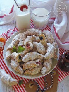Hungarian Recipes, Cookies, Desserts, Food, Crack Crackers, Tailgate Desserts, Deserts, Eten, Cookie Recipes