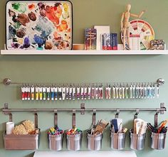 40 Art Room And Craft Room Organization Decor Ideas - artmyideas Art Studio Room, Art Studio At Home, Painting Studio, Art Studio Decor, Art Studio Design, Design Studios, Studio Ideas, Art Studio Spaces, Oil Painting Tips