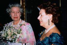 Elisabeth et Margaret sont élévées de la même façon et vivent une existence préservée, selon certaine source dès la naissance de sa soeur, Elisabeth aurait donné un charmant...