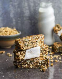 5 MINUTE NUTTY GRANOLA BARS Vegan Sweets, Vegan Snacks, Healthy Snacks, Vegan Meals, Vegan Food, Brunch Recipes, Snack Recipes, Dessert Recipes, Desserts