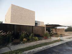Casa de Arcilla / Carlos López Betanzos