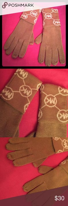 🆕 Michael Kors Gloves Authentic Michael Kors Gloves. Tan with White MK Logos on the Cuffs. Ribbed Knit. 100% Acrylic. Brand New. Excellent Condition. No Trades. See Also other Micheal Kors items in this closet including the Matching Beanie. 👍🏽 Michael Kors Accessories Gloves & Mittens