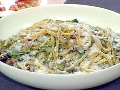 Fettuccine with Fresh Fava Beans and Pancetta Chef Recipes, Food Network Recipes, Pasta Recipes, Dinner Recipes, Cooking Recipes, Dinner Ideas, Rice Side Dishes, Food Dishes
