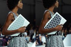 【動画】イッセイ ミヤケ、ソニーと共同開発した電子ペーパーをバッグに | Fashionsnap.com