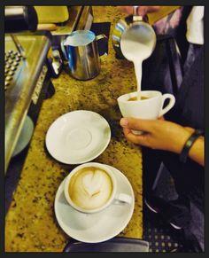Creamos grandes momentos para ti.  Ven y comparte la experiencia en Aroma Di Caffé donde la pasión se hace café. Deleita tus sentidos en el mejor lugar.  #CoffeeMoments #CoffeeLovers #CoffeeTime #AromaDiCaffé #MomentosAroma #SaboresAroma