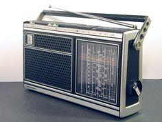 Grundig ConcertBoy 1100 Radios, Le Radio, Nostalgia, Pocket Radio, Antique Radio, Transistor Radio, Phonograph, Retro Futurism, Technology