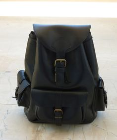 Leder Rucksack Drei Taschen Medium Schwarz von Blue Drop auf DaWanda.com