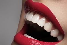 Coco Diamondz is the supplier of coconut oil pulling for teeth kits. Our coconut oil pulling will give you a whiter smile and a fresher breath. Whitening Skin Care, Teeth Whitening Diy, Whitening Kit, Coconut Oil For Teeth, Coconut Oil Pulling, Oil Pulling Teeth, Smile Dental, Dental Teeth, Candida Albicans