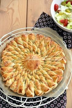 New Years Eve Snacks, Quiches, Homemade Pastries, Breakfast Lunch Dinner, Savoury Cake, Seafood Dishes, Tasty Dishes, Finger Foods, Appetizer Recipes