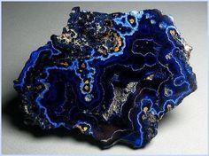 mineralogy-porn:    Azurite