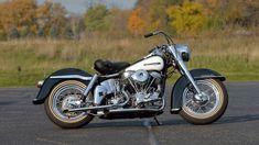 Harley Bikes, Harley Davidson Motorcycles, Cars And Motorcycles, Las Vegas 2017, Custom Harleys, Vintage Harley Davidson, Colour Schemes, Touring, Auction