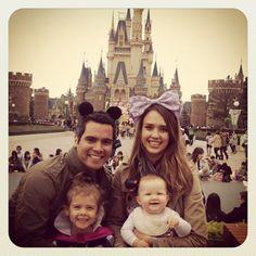 La petite famille de Jessica Alba sur Twitter