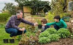 According to conventional wisdom, children and ornamental gardens are mutually incompatible.