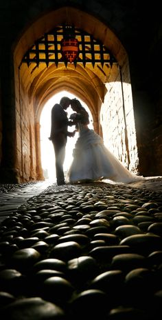From intimate wedding breakfasts, to magnificent receptions, your wedding at Warwick Castle will be a truly memorable and unique day. Shakespeare's Birthplace, Warwick Castle, Posing Ideas, Wedding Photography, Poses, Weddings, Pink, Figure Poses, Wedding