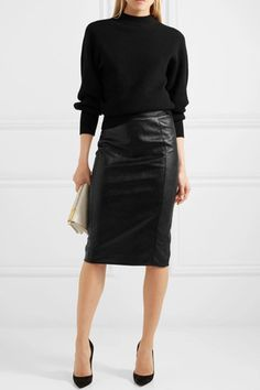 Skirt leather outfit winter 19 ideas for 2019 Skirt leather outfit winter 19 ide. Black Leather Skirt Outfits, Long Leather Skirt, Black Leather Pencil Skirt, Pencil Skirt Casual, Pencil Skirt Outfits, Leather Dresses, Pencil Skirts, Culotte Style, Leder Outfits