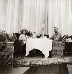 Nicholas II with his second daughter, Tatiana, ca 1906.