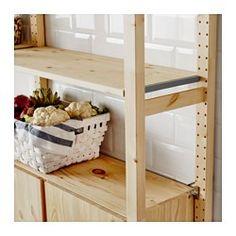 IKEA - IVAR, 2diely/police/skrinka, Neupravené masívne drevo je odolný prírodný materiál, ktorý farbením alebo naolejovaním získa ešte väčšiu odolnosť a zároveň zjednoduší starostlivosť o neho.Police môžete premiestňovať a prispôsobiť podľa priestorových možností.Nábytok si môžete prispôsobiť natrením moridlom alebo obľúbenou farbou.