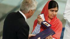 Malala, premiada más joven de la historia con 17 años, ha recogido junto al activista indio Satyarthi el Nobel de la Paz en Oslo