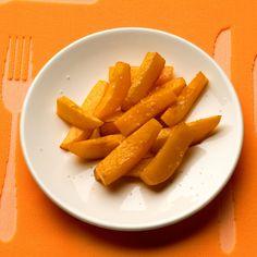 Découvrez la recette Frites de potiron sur cuisineactuelle.fr.