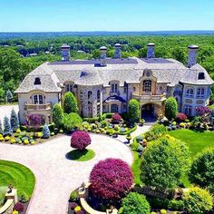 Good afternoon  mansion in Mahwah, NJ!    #newjersey #homes #mansion #mansions #luxury #lifestyle #architecture #realestate #luxuryrealestate #luxuryhomes #luxuryhome #designinspiration #decor #design #interiorinspo #interior #interiors #interiordecor #interiordecorating #interiordesign #homesoftherich #homedesign #homedecor
