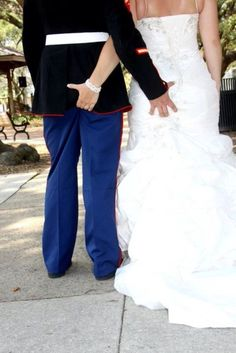 USMC wedding... love this :) lol i love how its not just a typical wedding pic pose