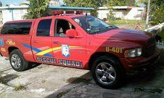 """FOTOGRAFÍA CON TU UNIDAD Nuestro compañero Abdel Díaz, desde Caguas, Puerto Rico, nos envió esta foto de su unidad de rescate. El grupo es """"RESCUE SQUAD"""". Nos comenta que están preparados para realizar todo tipo de rescates y extricaciones en su localidad, en ese Grupo sin ánimo de lucro y voluntario. Enviarnos vuestras imágenes, todas las que queráis, por mensaje a nuestra página, o por e-mail a: correoambulanciasyemergencias@gmail.com"""