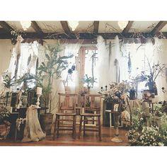 * まだまだ結婚式ネタ引っ張ります。笑 メイン周り、ほんとに可愛かった! イスにして正解。 この空間にずーっとおりたかったなぁ。 * #結婚式 #weddingparty #weddingday #weddingdress #wedding #ウエディング #ガーデンウェディング #gardenparty #flower #ルメルシェ #ルメルシェ元宇品 #会場装花 #装花 #メイン周り #フレンチシャビー #シャビー #ドライフラワー #プレ花嫁卒業 #プレ花嫁 #portebonheurwedding