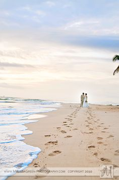 If I ever get married again, I'm doing this. Blowin that shit up and putting it in my beach themed bedroom.