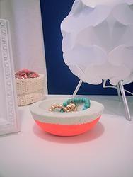 Concrete DIY bowl fluro color #diy #bowl #concrete #funky