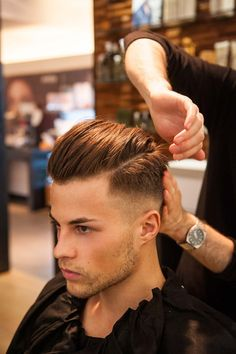 Mens Hairstyles With Beard, Boy Hairstyles, Hair And Beard Styles, Curly Hair Styles, Male Haircuts Curly, Haircuts For Men, Long Slicked Back Hair, Gents Hair Style, Mens Hair Colour