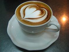 Loving Heart Coffee Art Design // Creative 3D Coffee Latte Art Pictures, Images & Designs