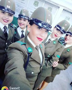 Police Uniforms, Army Uniform, Girls Uniforms, Military Girl, Good Looking Women, Female Soldier, Military Women, Military Personnel, Toy Soldiers