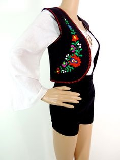 Cute 70s Cropped Waistcoat With Folk Embroidery Detail