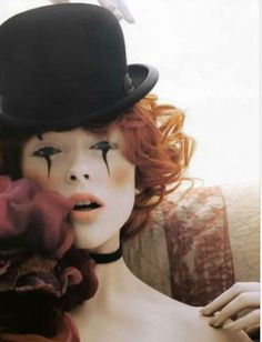 Image uploaded by Annie. Find images and videos about Halloween, clown and Coco Rocha on We Heart It - the app to get lost in what you love. Doll Makeup, Clown Makeup, Fairy Makeup, Costume Makeup, Doll Costume, Circus Costume, Marionette Costume, Makeup Art, Mascaras Halloween