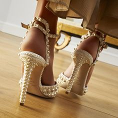 Pretty Shoes, Beautiful Shoes, Cute Shoes, Dr Shoes, Me Too Shoes, Shoes Heels, Bridal Shoes, Wedding Shoes, Sexy Heels