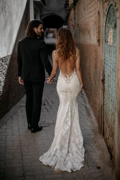 Luca - Queen of Hearts - Bridal Dresses - Galia Lahav The is a mermaid wedding gown that looks stunning from the front or back with its delicate lace and hand-beaded embroidery. Photo: by Tali Photography Top Wedding Dresses, Bridal Dresses, Wedding Gowns, Delicate Wedding Dress, Open Back Wedding Dress, Backless Wedding, Lace Weddings, Bridesmaid Dresses, Corsage