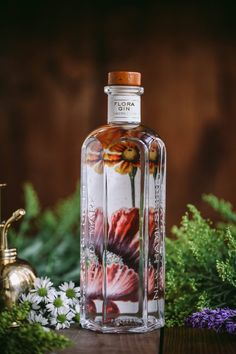 Tamworth Distilling and their Gin Apiary, contrivance of advertising industry figure Steven Grasse, released its first raft of drinks in Summer Triple Sec, Beverage Packaging, Bottle Packaging, Mojito, Gin Foundry, Wine Bottle Design, Gin Bar, Drink Labels, Liquor Bottles
