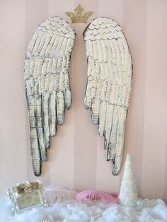 Pair of distressed wood angel wings.  Need to figure out how to make these for myself!