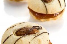 Fursecuri cu nuci si caramel, perfecte pentru Craciun | Reteta